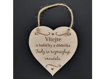 Dřevěné srdce s nápisem Vítejte u babičky a dědečka, tady.., masivní dřevo, 16 x 15 cm