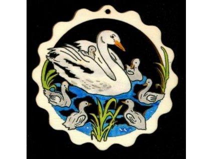 Dřevěná ozdoba barevná vlnka s labutěmi 9 cm