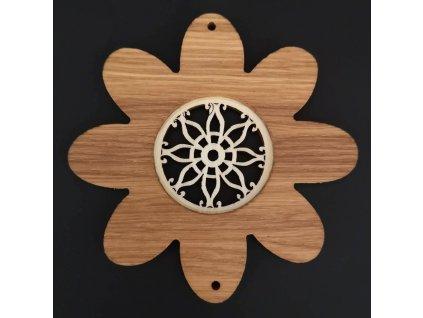 Dřevěná ozdoba z masivu s vkladem - květ s kvítkem 10 cm