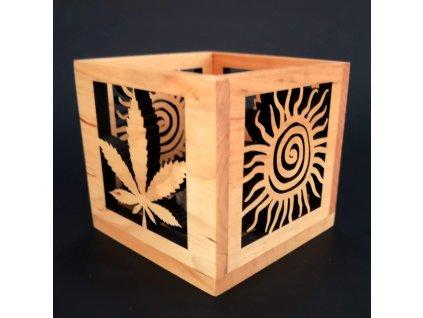 Dřevěný svícen list a slunce