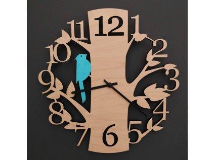 Dřevěné hodiny nástěnné ve tvaru stromu s modrým ptáčkem, masivní dřevo, průměr 30 cm