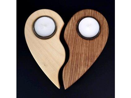 Dřevěný svícen půlené srdce, masivní dřevo, 17x16,5x3 cm