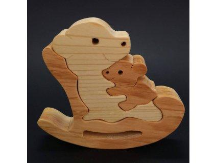 Dřevěné puzzle houpací medvěd, masivní dřevo dvou druhů dřevin, 13,5x12x3 cm