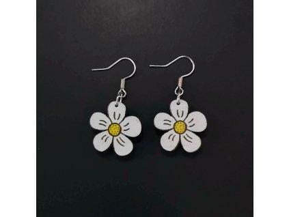 Dřevěné náušnice květina bílá, 2 cm