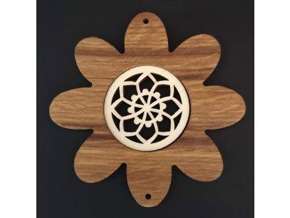 Dřevěná ozdoba z masivu s vkladem - květ s mandalou 10 cm