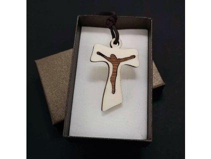 Dřevěný přívěsek na krk ve tvaru křížku, 5 cm