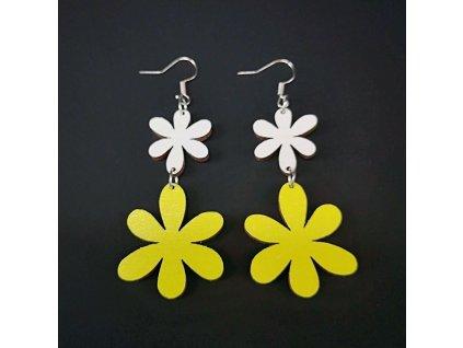 Dřevěné náušnice květiny bílá a žlutá, 5 cm