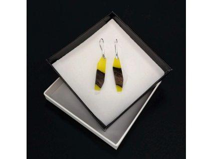 Dřevěné náušnice z pryskyřice žluté - mix barev