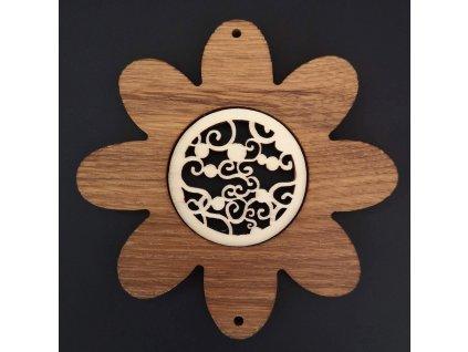 Dřevěná ozdoba z masivu s vkladem - květ s ornamentem 10 cm