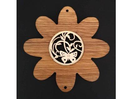 Dřevěná ozdoba z masivu s vkladem - květ s motýlem 10 cm