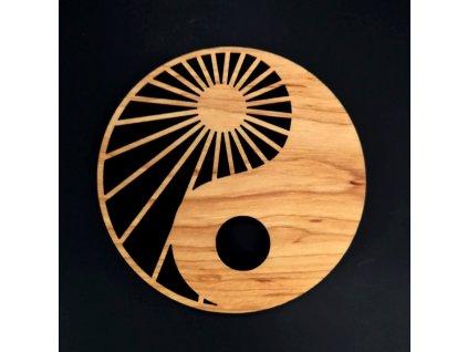 Dřevěný podtácek kulatý jin-jang, masivní dřevo, průměr 10 cm