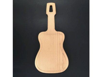 Dřevěné prkénko servírovací s drážkou ve tvaru kytary, masivní dřevo, 42x20x2 cm