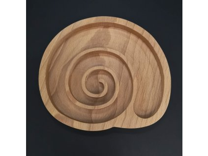 Dřevěná miska ve tvaru ulity, masivní dřevo, rozměr 22,5x20,5x2 cm