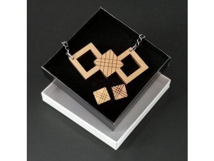 dřevěný šperk