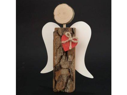 Dřevěný anděl s kůrou s bílými křídly a čeveným srdcem, masivní dřevo, 19x13,5x3 cm