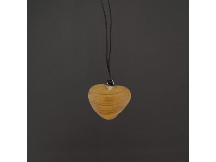 dřevěný přívěsek srdce