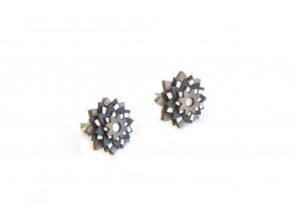 nox star flower earrings