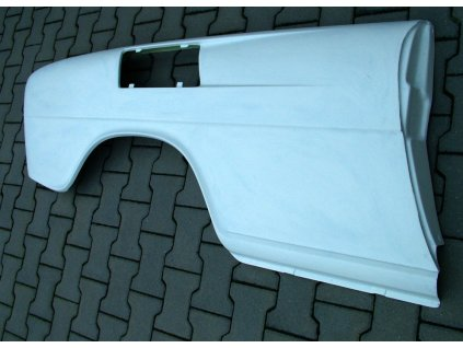 Škoda 110R zadní blatník Pravý 01