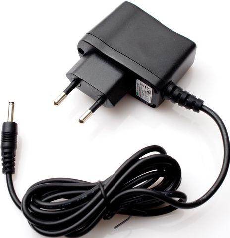 Baterie a adaptéry