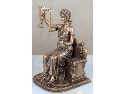 spravedlnost sedící (2)