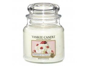 Vonná svíčka ve skleněné dóze Jahody se šlehačkou - Strawberry Buttercream, 411 g