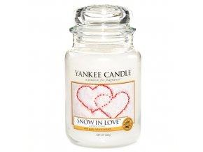 Vonná svíčka ve skleněné dóze Zamilovaný sníh Snow in Love, 623 g