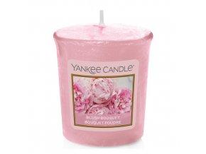 Votivní svíčka Yankee Candle Růžolící kytice, 49 g