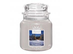 Vonná svíčka ve skleněné dóze Chata ozářena svíčkou, 411 g