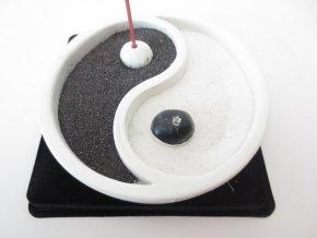 Mani Bhadra Stojánek na vonné tyčinky YING YANG bílý, Ø 10 cm