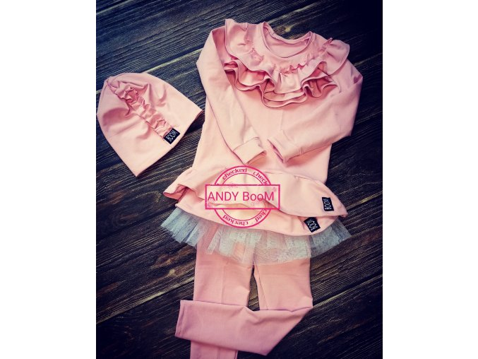 čepice pink s volanky