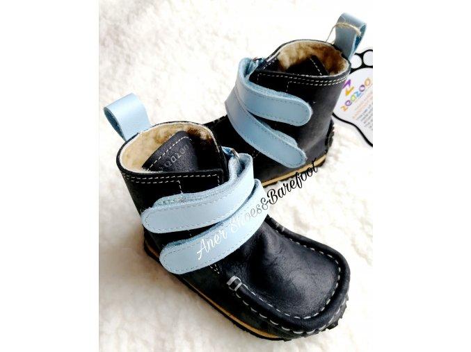 Zeazoo Yeti Black Baby Blue barefoot