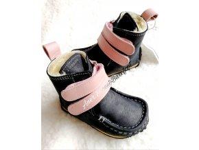 Zeazoo Yeti Black Pink barefoot