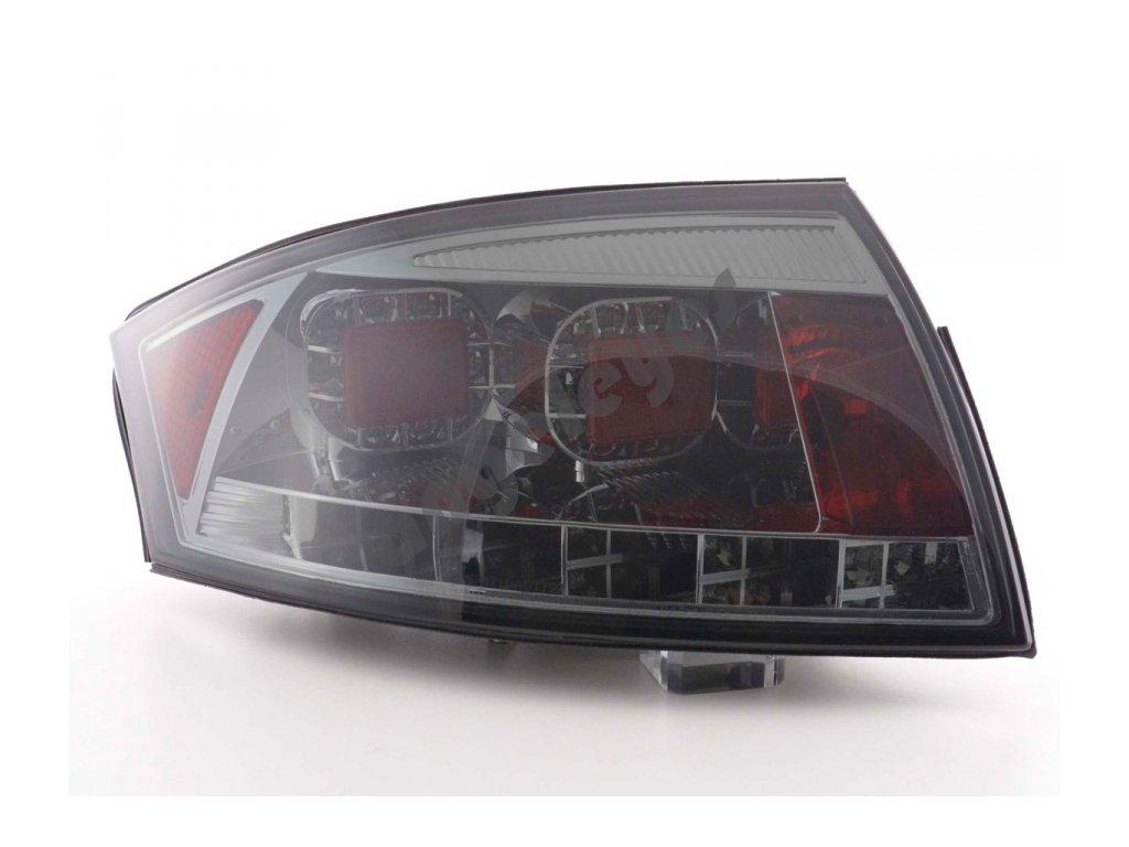 Zadné LED svetlá Audi TT zatmavené