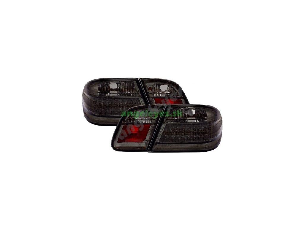 E W210 zadné čierne s LED