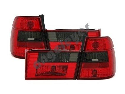 BMW E34 Touring zadné svetlá červeno čierne
