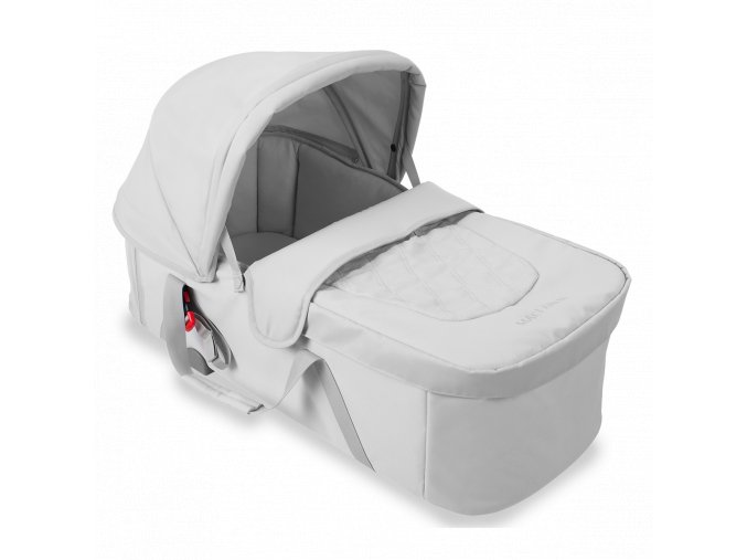 AM1Y160351 carrycot XLR silver 3 4 BG 1