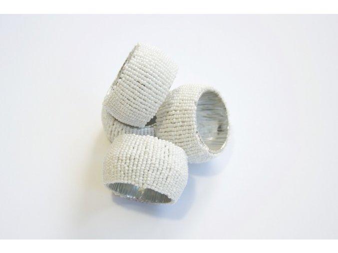 Kroužky na ubrousky s bílými korálky