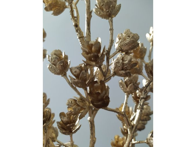 umela-dekorace-vetvicka-sisek-metalicka-zlata