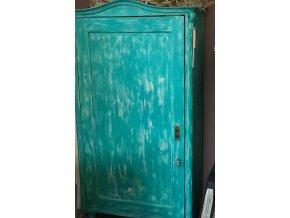 Skříň šatní v azurové barvě