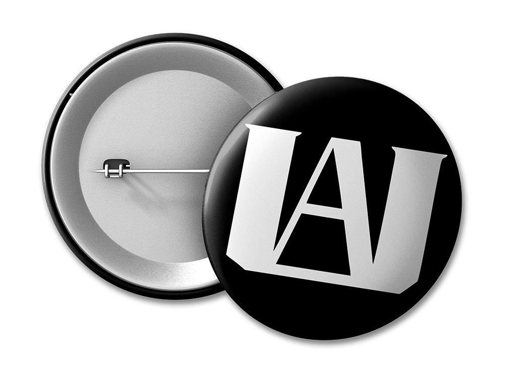 placka logo UA black 50 umístění na eshop