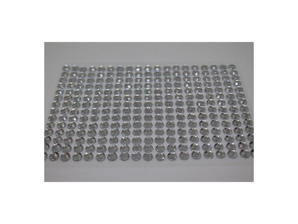 Samolepiace kamienky 6 mm strieborné 110