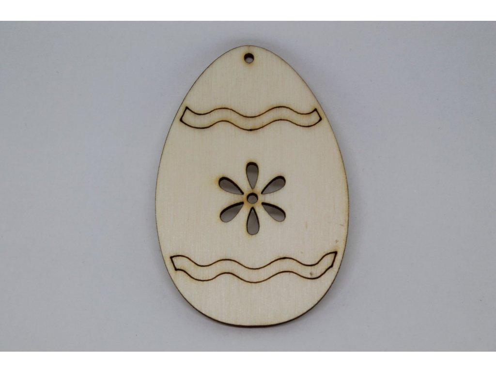 Drevený výrez vajíčko s kvetinkou a ornamentom