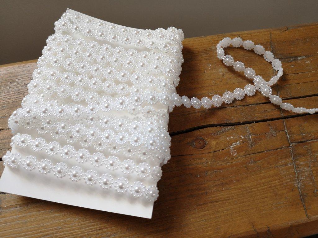 Borta s perlovými kvetinkami 10mm biela