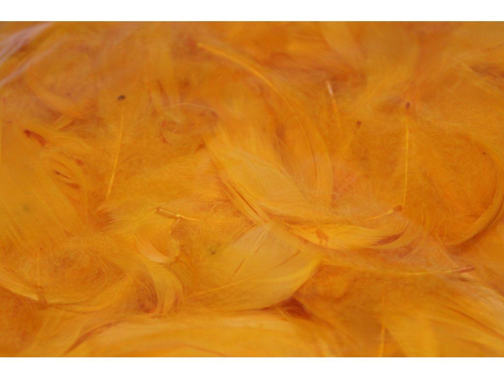 Dekoračné perie 15g svetlo oranžové 023
