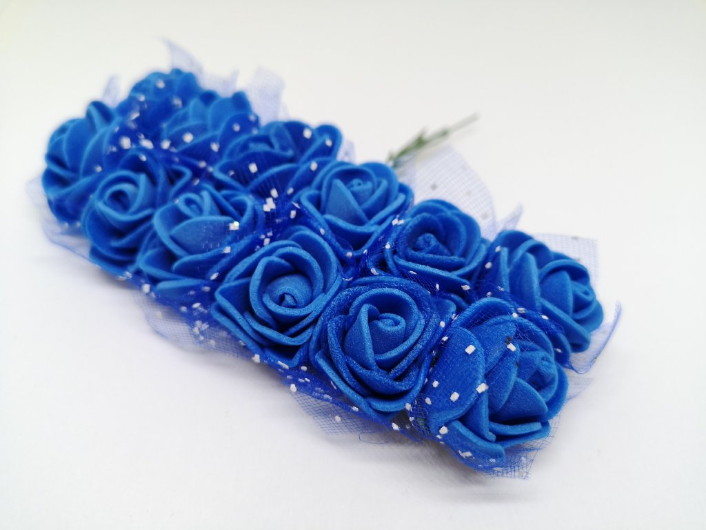 Penové ružičky kobaltové modré s tylom