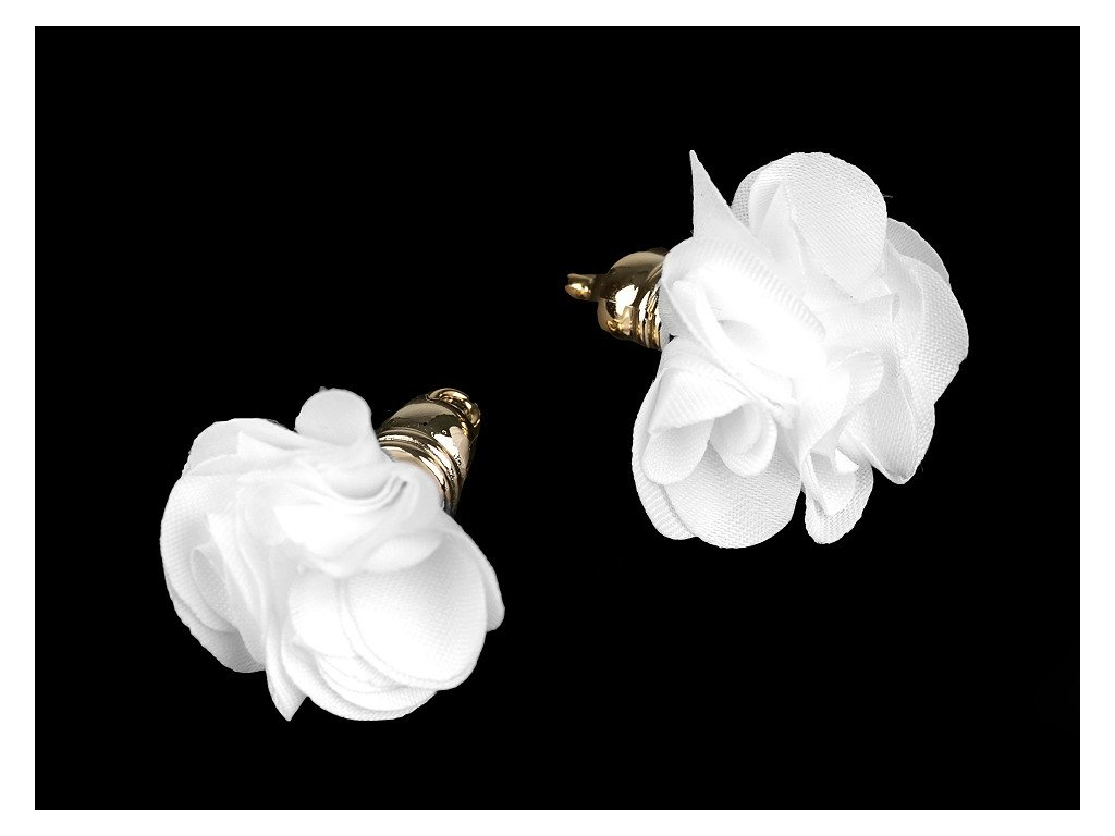 Prívesok kvet 30mm biely