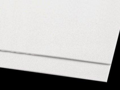 Machová guma glitrová biela