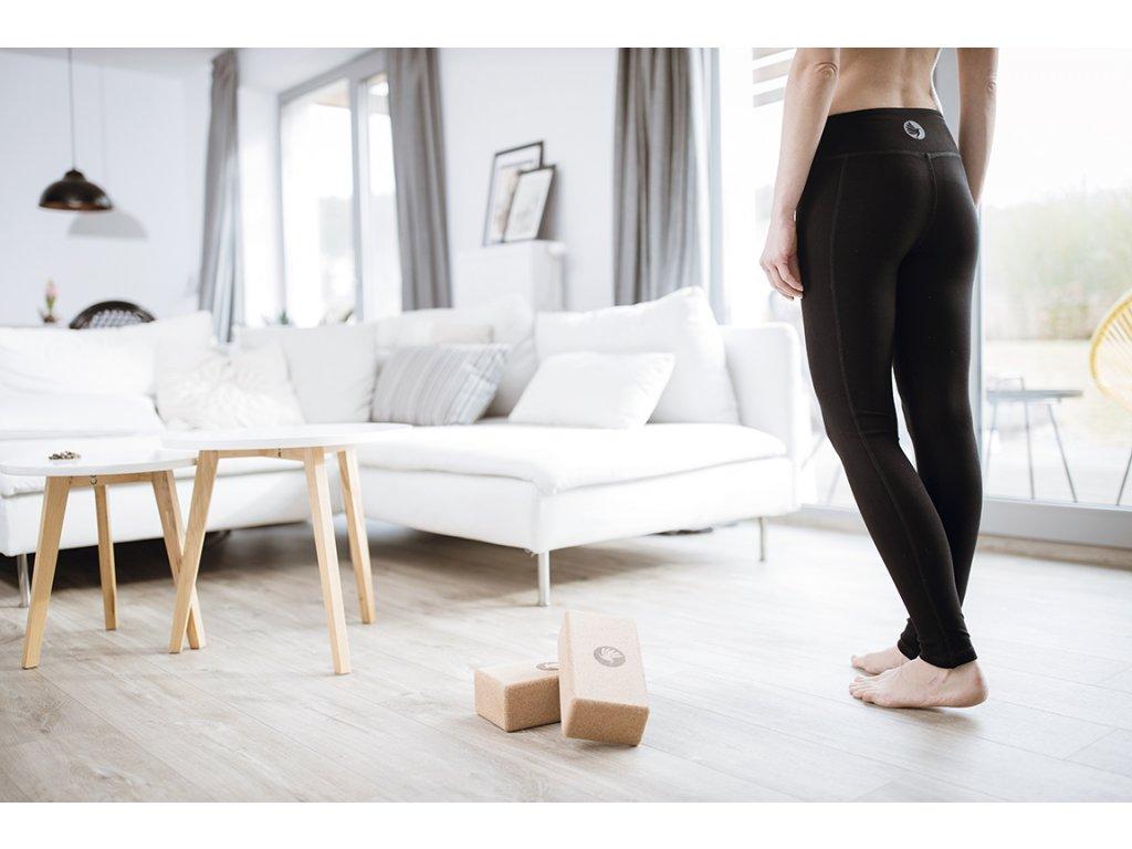 Leginy na jogu cerne zateplene