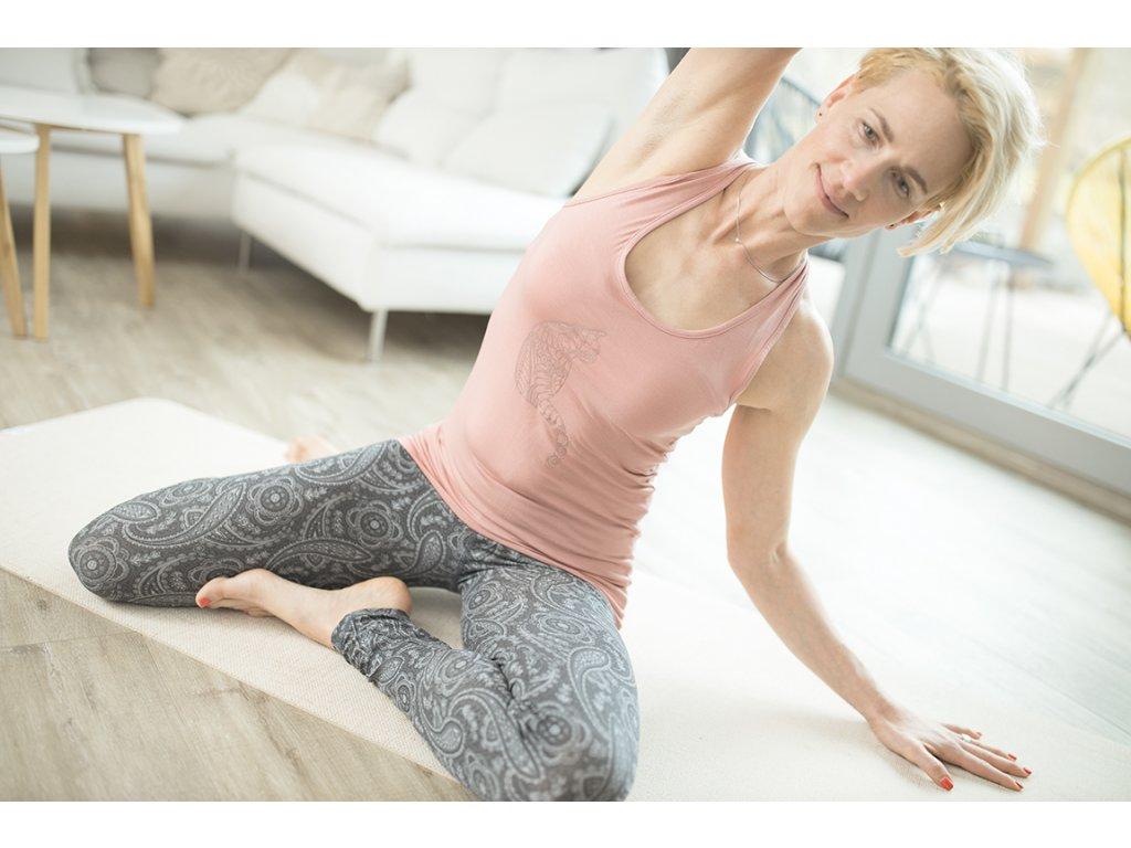 Tílko na jógu a pilates starorůžová