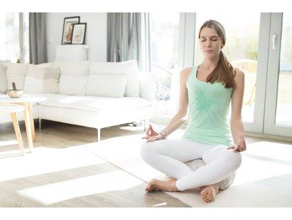 Tílko na jógu a pilates